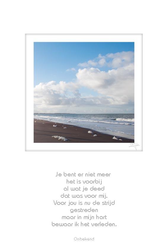 26-strand-schaduw-2-personen-je-bent-er-niet-meer-onbekend-50x75cm-10052012-web